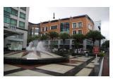 Tampak Depan dari Plaza Fountain